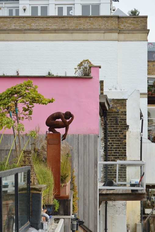 Statue next door to The Grapes, Narrow Street, Limehouse
